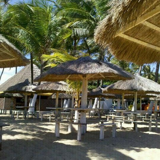 Foto tirada no(a) Praia de Guaxuma por Regina B. em 2/29/2012