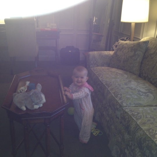Photo taken at Windsor Arms Hotel by Lor B. on 6/24/2012