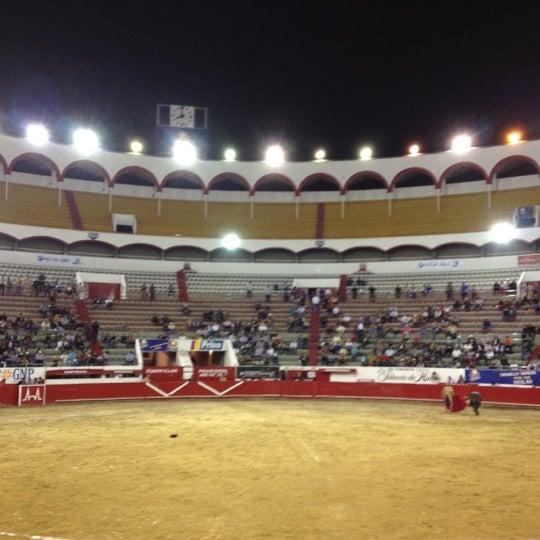 Foto tomada en Plaza de Toros Nuevo Progreso por Roberto F. el 2/20/2012