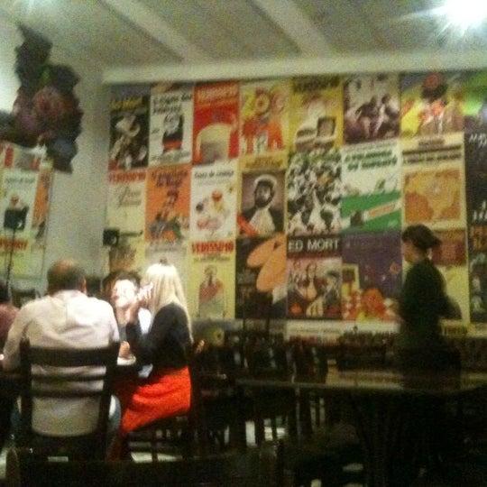 Foto tirada no(a) Verissimo Bar por Celinha C. em 9/2/2012