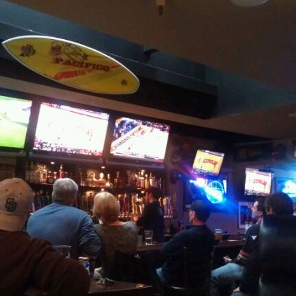 Photo taken at Stadium Sports Bar & Restaurant by Paul C. on 2/11/2012