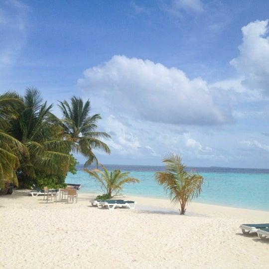 Photo taken at Vilamendhoo Island Resort & Spa by Tolkyn N. on 7/6/2012