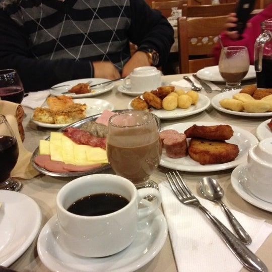 Foto tirada no(a) Bela Vista Café Colonial por Michele V. em 7/1/2012