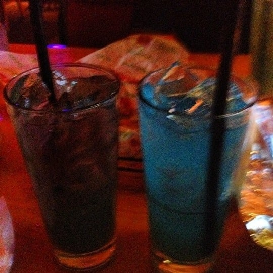 Photo taken at Applebee's Neighborhood Grill & Bar by Lauren on 8/29/2012