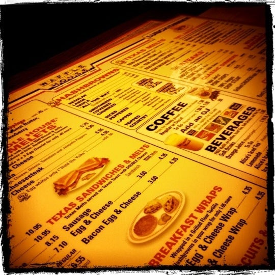 Photo taken at Waffle House by Henk Y. on 7/9/2012