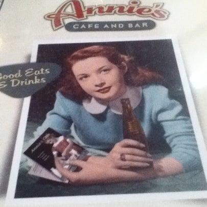 Снимок сделан в Annie's Cafe & Bar пользователем Maxx B. 8/5/2012