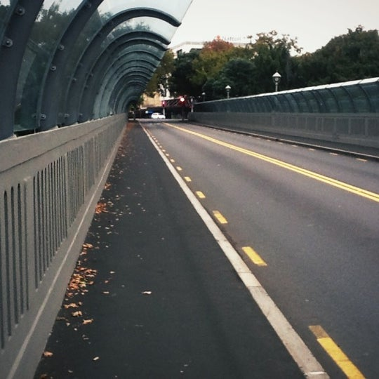 Photo taken at Grafton Bridge by Sakda N. on 4/28/2012