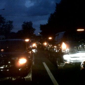 Photo taken at Lampu Merah Cawang by Ali K. on 12/1/2011