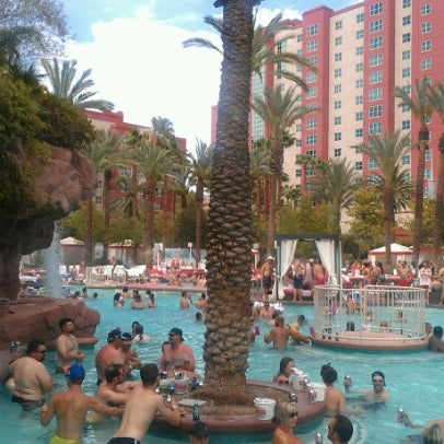 Photo taken at Flamingo GO Pool by Rich P. on 7/29/2012