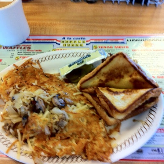 Bacon, egg, & cheese Texas melt. Hash browns smothered and capped. Wash down with a sweet tea. That's pro!