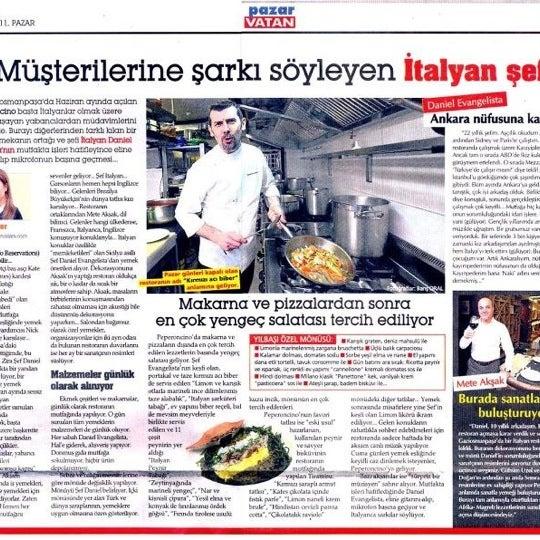 'Müşterilerine şarkı söyleyen İtalyan şef' Peperoncino, Pazar Vatan'da...