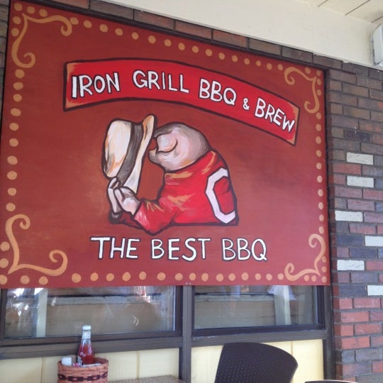 Photo taken at Iron Grill Barbecue and Brew by Denise C. on 6/6/2012