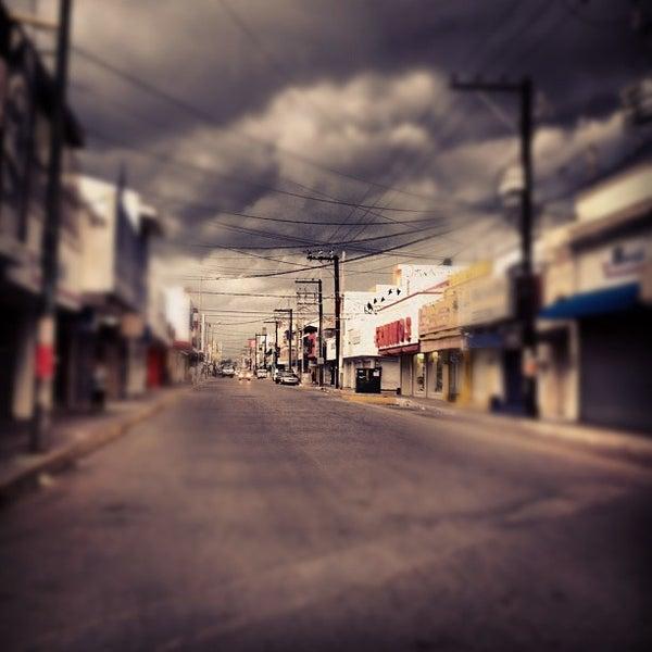 Foto diambil di Mercado Pino Suarez oleh David Z. pada 7/2/2012