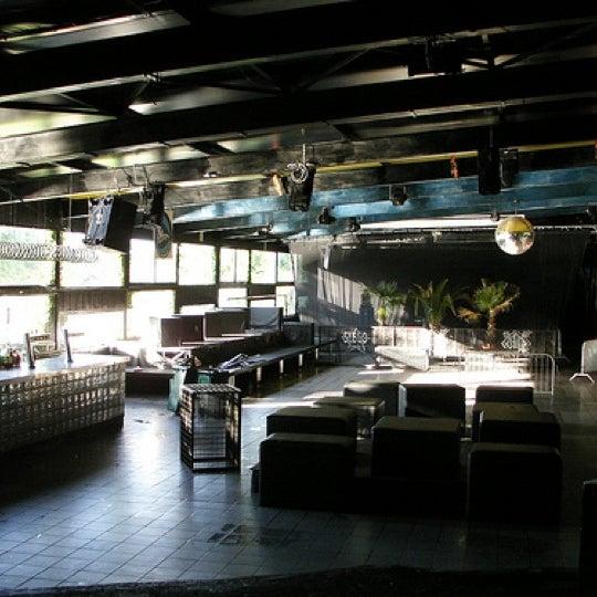 Foto scattata a Velvet Club & Factory da Namer M. il 8/7/2011