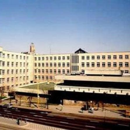 """A Budai Középiskola 2004. évi létrehozása három szakközépiskola - a """"Fényes"""", a """"Kossuth"""", és a """"Szigeti"""" - ill. egy angol kéttannyelvű - a """"Táncsics"""" - intézményekből történt. #BudaiFunFacts"""