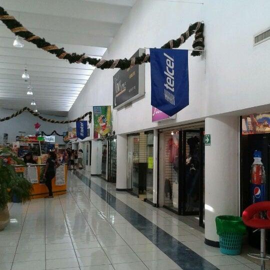 Foto tomada en Plaza Dorada por Daniel C. el 1/8/2012