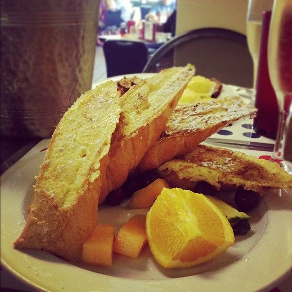 Photo taken at Liza's Kitchen by Nagzah A. on 8/19/2012