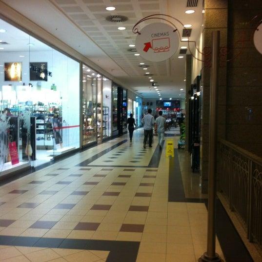 Foto tirada no(a) Shopping Del Paseo por Acrisio F. em 2/17/2012