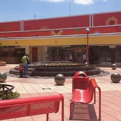Foto tomada en Plaza del Sol por David Omar T. el 8/15/2012