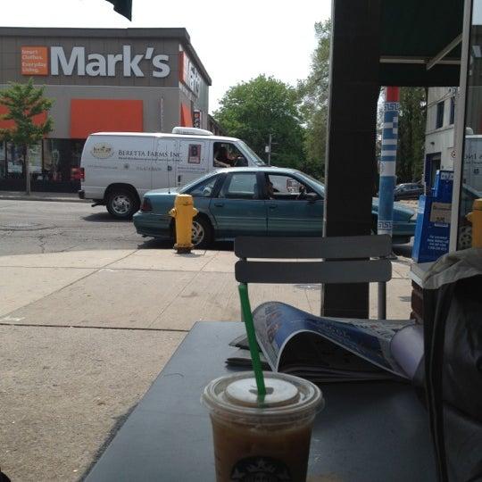 Photo taken at Starbucks by Kaori F. on 5/25/2012