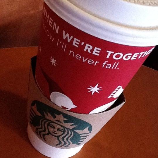 Photo taken at Starbucks by Alejandro T. on 11/27/2011