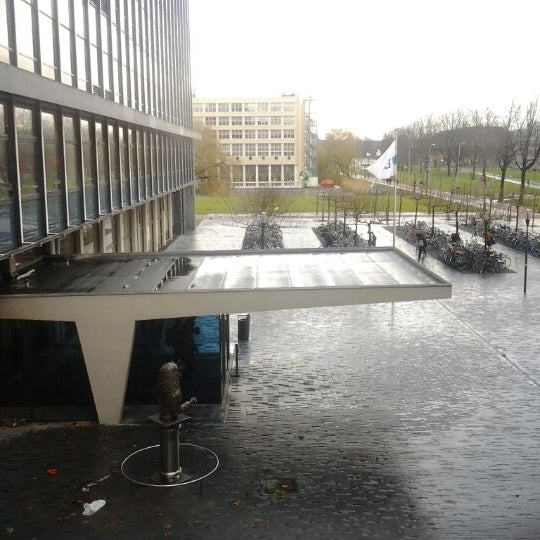 Photo taken at Faculty Of Electrical Engineering, Mathematics and Computer Science by Vadim Z. on 12/13/2011