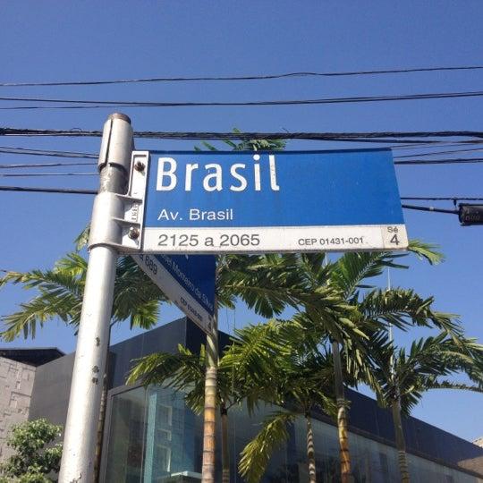 Photo taken at Avenida Brasil by Marcus Q. on 8/9/2012