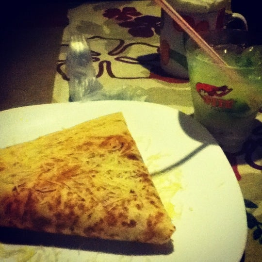 Photo taken at Bercy Village - Crepes e Saladas by Thaís M. on 7/12/2012