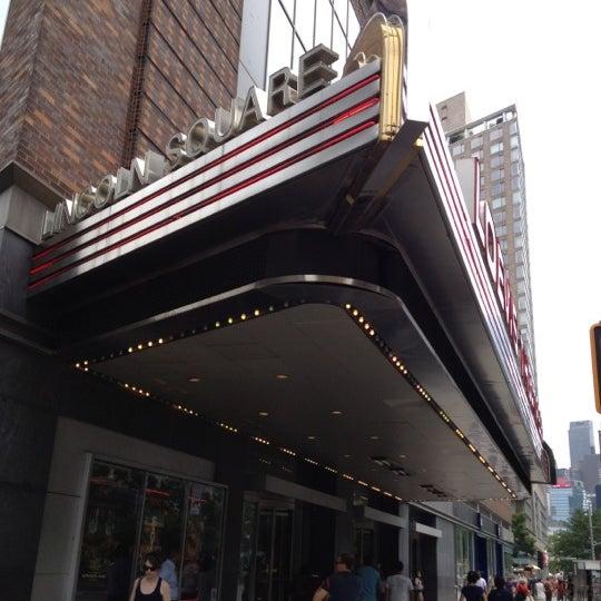 Снимок сделан в AMC Loews Lincoln Square 13 пользователем Diablo 7/7/2012