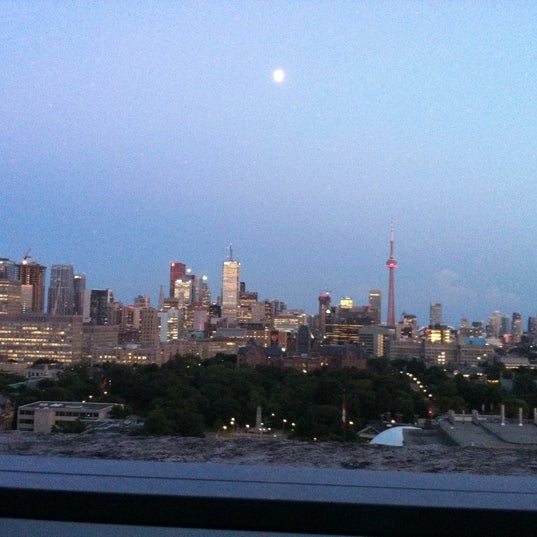 Definitely head up the 18th floor lounge on the south side for a great view and excellent service.
