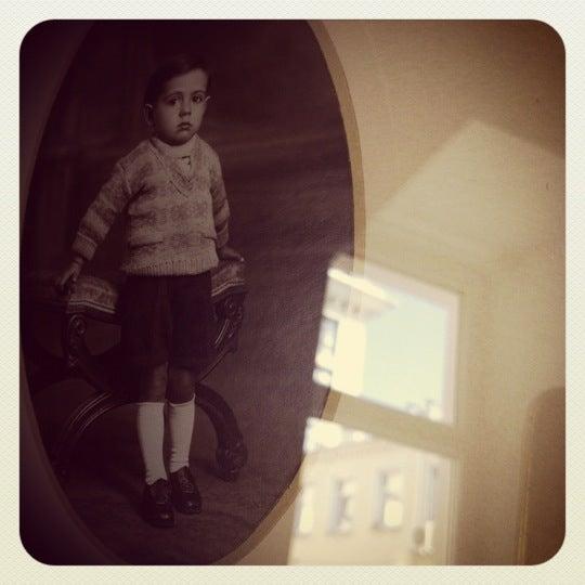 Снимок сделан в Vintage Voyage пользователем Igor K. 5/4/2012