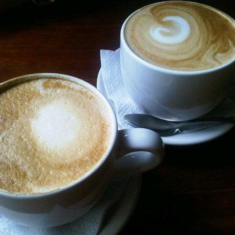 Foto tomada en Rico's Café Zona Dorada por Andrea G. el 7/8/2012