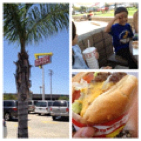 Photo taken at In-N-Out Burger by Tue on 6/20/2012