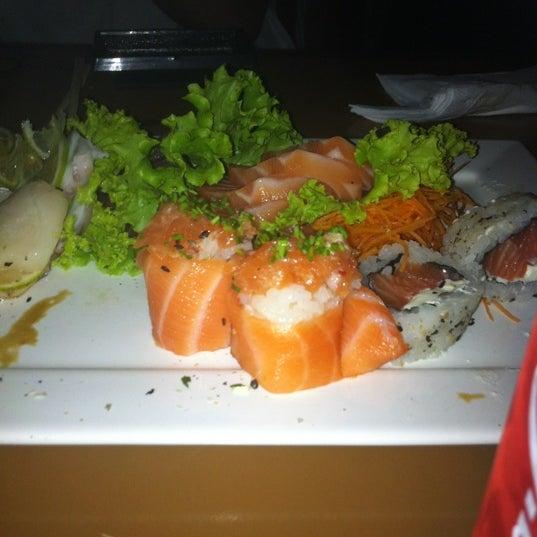 Foto tirada no(a) Brava Sushi por Dudu A. em 1/29/2012