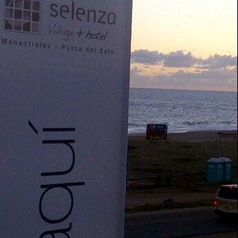 Foto tomada en Selenza Village + Hotel por Andres L. el 1/14/2012