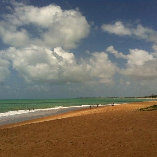 Foto tirada no(a) Praia de Guaxuma por Natalia em 3/25/2012