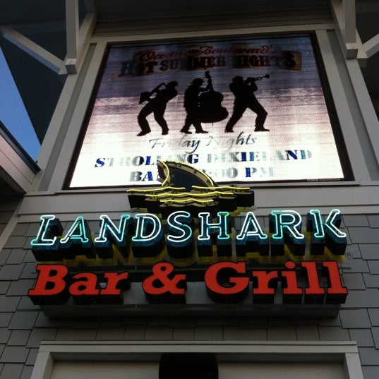 Photo taken at Landshark Bar & Grill by Joe C. on 8/11/2011