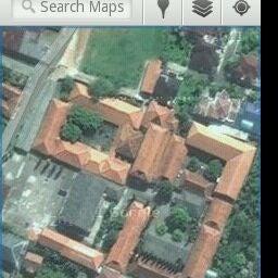 Photo taken at SMA Negeri 4 Semarang by Fauz H. on 9/22/2011