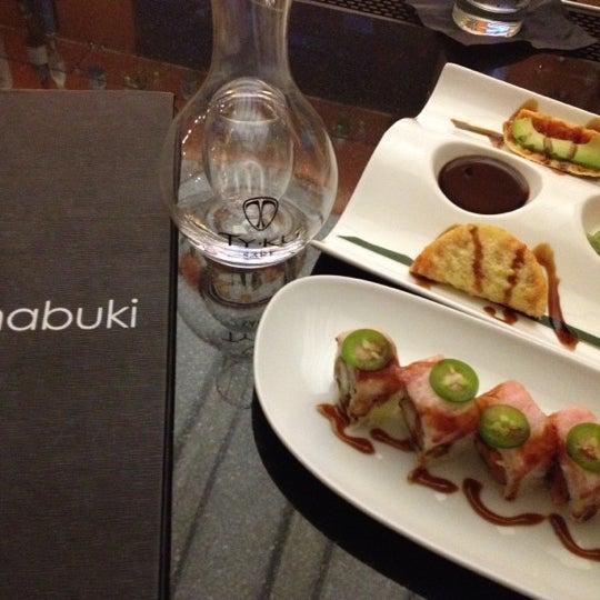 favorite sushi chicago