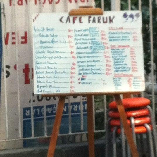 3/22/2012 tarihinde Selin K.ziyaretçi tarafından Café Faruk'de çekilen fotoğraf