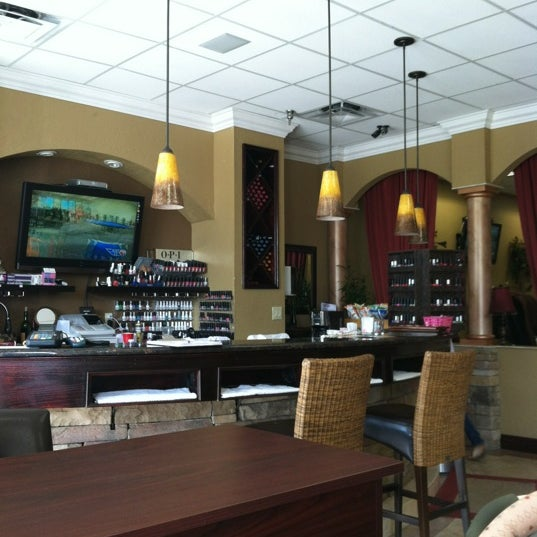 Photos at Elite Nails & spa - Nail Salon in Pembroke Commons