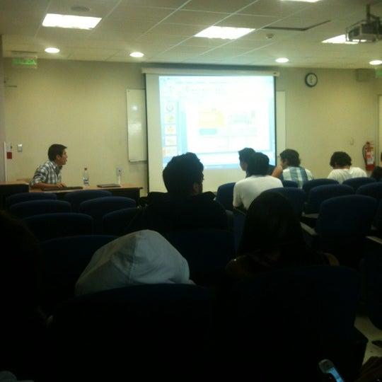 Foto tomada en Universidad Andrés Bello por Juanra B. el 4/19/2012