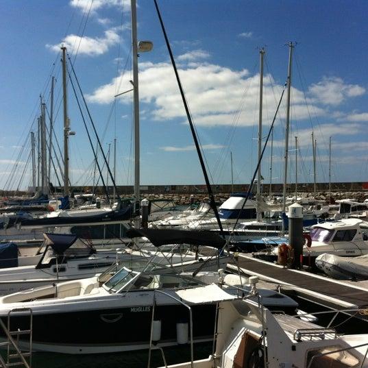 Foto tirada no(a) Porto de Recreio de Oeiras por Gino K. em 7/11/2012