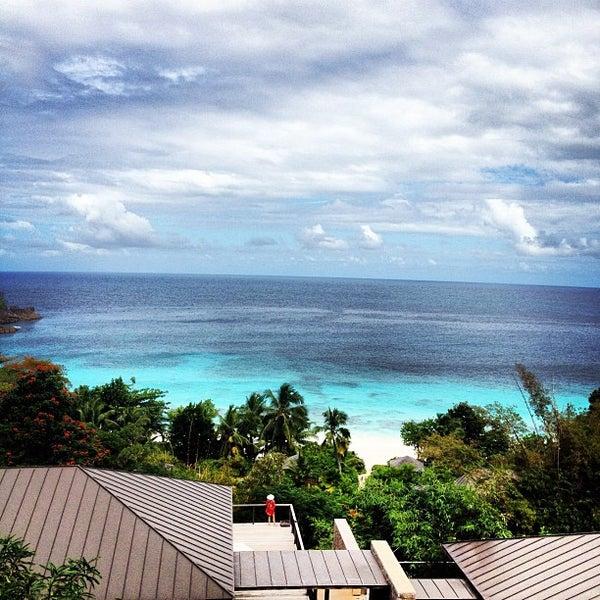 four seasons resort seychelles 21 tips. Black Bedroom Furniture Sets. Home Design Ideas