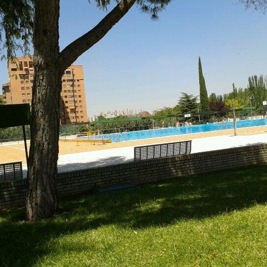 Centro deportivo municipal vicente del bosque la paz for Piscina vicente del bosque