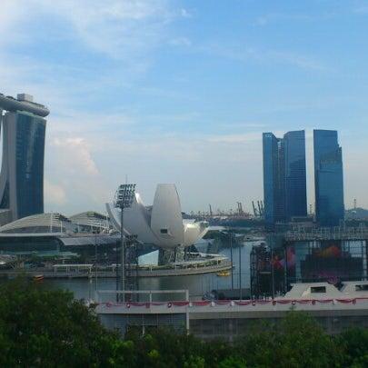 Photo taken at The Ritz-Carlton Millenia Singapore by Nazrin Z. on 7/4/2012