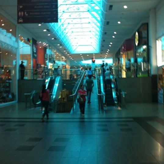 Foto tirada no(a) Shopping Neumarkt por Fillipe L. em 3/22/2012