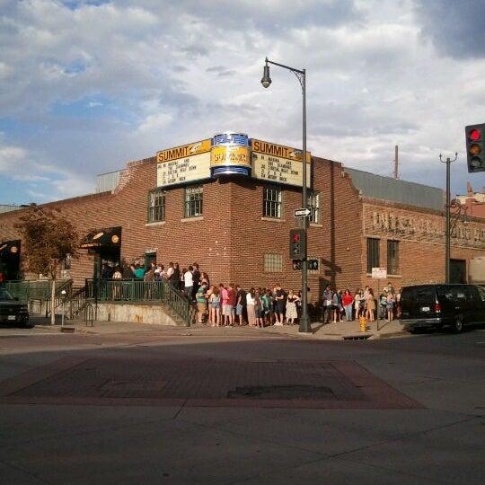 รูปภาพถ่ายที่ Summit Music Hall โดย Karely R. เมื่อ 7/19/2012