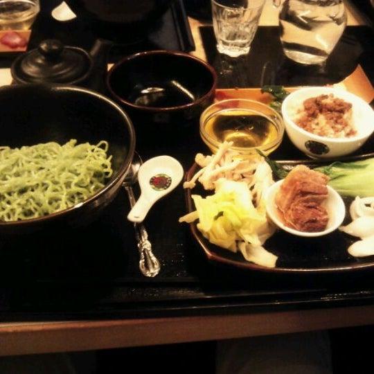 Photo taken at 天香回味 赤坂別館 by Masanori K. on 3/27/2012