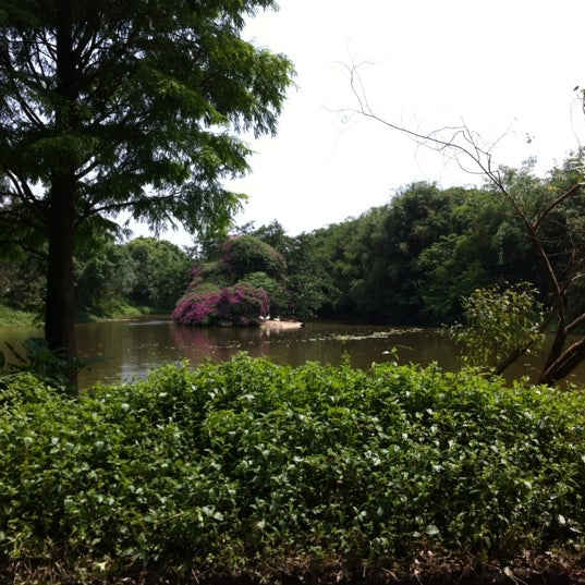 Photo taken at Xiang Jiang Safari Park, Guangzhou by Natochka on 4/30/2012